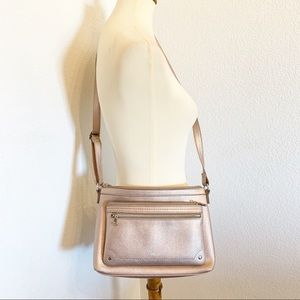 Relic Crossbody Rose Gold Metallic Bag By Fossil